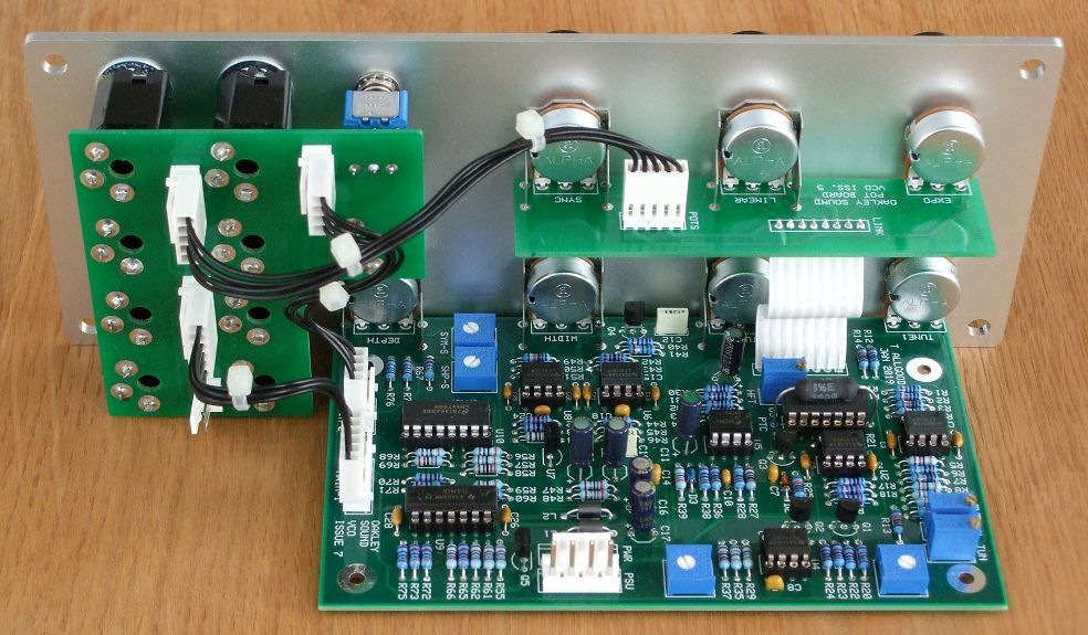 Voltage Controlled Oscillator (VCO) for analogue modular